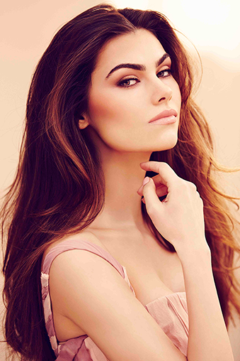 HD-Brows-brunette-model-imagery-low-res