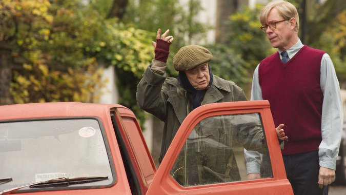 Dame Maggie Smith and Alex Jennings in The Lady in the Van
