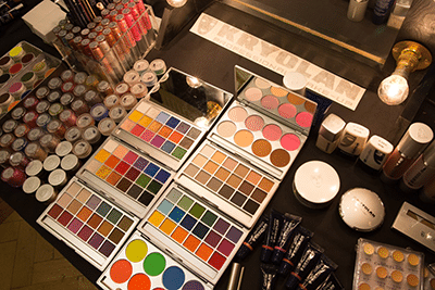 Kryolan Makeup table 6